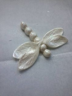 Quick and Easy Dragonfly Tutorial - CakesDecor