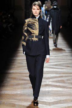 Dries Van Noten Fall 2012 Ready-to-Wear Fashion Show - Tilda Lindstam