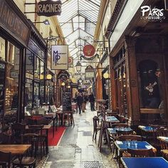 présente sa photo du jour :  Félicitations à @crisalbani Prenez le temps d'aller faire un tour sur son Instagram pour découvrir son univers !  Photo Sélectionnée par @cerise_david  Suivez @paris.focus_on et taguez vos plus belles photos #paris_focus_on pour avoir la chance d'être mis en avant.  Et retrouvez nous aussi sur nos hubs thématiques, régionaux, villes (Paris et Marseille) et France. #focuson_crisalbani  #ปารีส #Parys #باريس #París #Parigi #巴黎 #パリ #Παρίσι #Parijs