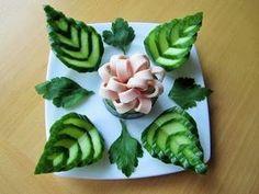 Salads - cucumber and mortadella decoration - Food Carving Ideas Veggie Art, Fruit And Vegetable Carving, Vegetable Decoration, Food Decoration, Creative Food Art, Food Carving, Fruit Party, Food Garnishes, Edible Arrangements