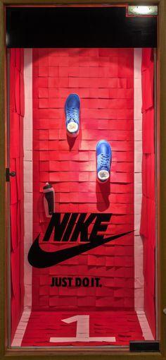 https://flic.kr/p/D2oUke | Visual Merchandising Arts - Post-it Note Window Displays 2016