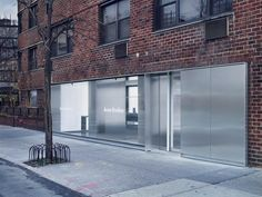 Sophie Hicks sets Acne Studios' flagship identity in the concrete jungle - News - Frameweb Acne Studios Store, Retail Facade, Retail Signage, Architects London, Into The West, Retail Interior, Facade Design, Entrance Design, Concrete Jungle