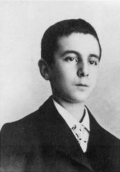 Fernando Pessoa en 1901, a los 13 años de edad.