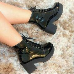 How to use Boots Take Care of Love - Heels-Boots-Pumps - Sock Shoes, Shoe Boots, Shoes Heels, Pretty Shoes, Beautiful Shoes, Awesome Shoes, Sneakers Fashion, Fashion Shoes, Fashion Moda