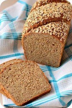 Miss Moonstruck kocht !: Haferflocken-Buttermilchbrot - c. Cooking Bread, Bread Baking, Cooking Recipes, Bread Recipes, Buttermilk Bread, Banana Bread, Mozarella, German Bread, Bread Bun