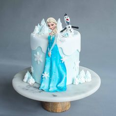 Elsa & Snowman Cake Elsa & Snowman Cake – Designer Cake – Baker's Art – – Eat Cake Today – Birthday Ca Bolo Frozen, Disney Frozen Cake, Frozen Theme Cake, Frozen Birthday Party, Elsa Birthday Cake, Birthday Parties, Frozen Cake Decorations, Wedding Decorations, Bolo Elsa
