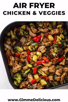 This nutritious air fryer chicken and veggies recipe is so EASY to make and full of flavor. It makes a complete and healthy low-carb or keto meal in under 20 minutes! Air Fryer Recipes Chicken Breast, Chicken Sausage Recipes, Chicken Breast Recipes Healthy, Veggie Heavy Recipes, Air Fryer Recipes Videos, Air Fryer Recipes Low Carb, Air Fryer Dinner Recipes, Healthy Meal Prep, Keto Meal