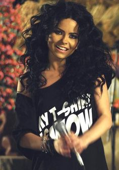 Inna. I love her music & I love her hair in this picture!