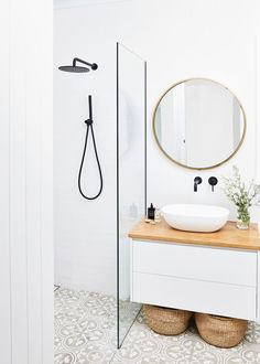 Tour Natalie Fitch's Elegant and Minimal Home – Bed Threads Bathroom Cupboards, Bathroom Renos, Laundry In Bathroom, Bathroom Storage, Master Bathroom, Light Bathroom, Mirror Bathroom, Washroom, Bathroom Renovations