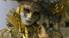 20 impressive pictures from Venice Carnival  2012.     www.ghiduri-turistice.info  Source : www.flickr.com/photos/coramarco