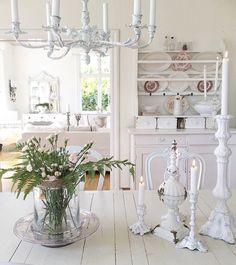 """673 Likes, 8 Comments - shabbychichomes1@gmail.com (@shabby_chichomes) on Instagram: """"@larkhuset #fransklantstil #lantliginredning #lantligt #lavender #flowers #blommor #sommar #summer…"""""""