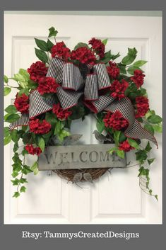 Great wreath to use on a porch or front door this summer!