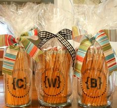 These pencil jar teacher gifts would be simple to make using Avery 8665 printable clear labels.