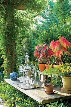 Gorgeous Outdoor Planting Station and Display https://gardenmagz.com/outdoor-planting-station-and-display/