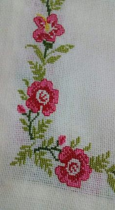 This Pin was discovered by nak Beaded Cross Stitch, Cross Stitch Borders, Cross Stitch Rose, Cross Stitch Flowers, Cross Stitching, Cross Stitch Embroidery, Embroidery Patterns, Hand Embroidery, Cross Stitch Patterns
