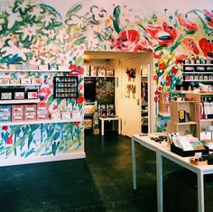 Christine Schmidt of Yellow Owl created this mural at Rare Device in SF. Interesting effect and idea !