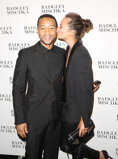 Pin for Later: Best of 2014: les 29 Moments les Plus Mignons du Tapis Rouge Chrissy Teigen et Kiss John Legend à la NYFW