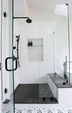 5 Serene Tips AND Tricks: Shower Remodeling On A Budget shower remodel marble.Fiberglass Shower Remodel Decor walk in shower remodeling ideas.Walk In Shower Remodeling Master Baths. White Subway Tile Shower, Gray Shower Tile, Master Bathroom Shower, Shower Floor Tile, Black Shower, Small Bathroom, Black Tub, Remodled Bathrooms, Bathroom Grey