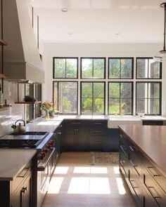 Oh Farmhouse kitchen Dream Home Design, House Design, Kitchen Decor, Kitchen Design, Minimal Kitchen, Small Dining, Loft, Home Kitchens, Decoration
