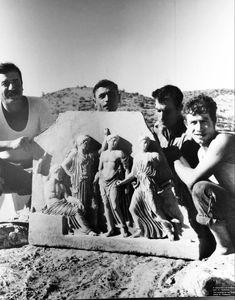 «Γλυπτό των θεών» Βραυρώνα1958. Δημιουρογός: Νικόλαος Τομπάζης. Μουσείο Βραυρώνας Concert, Painting, Art, Art Background, Painting Art, Kunst, Concerts, Paintings, Performing Arts