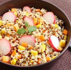 Quinoasalat mit Radieschen, Mais und Karotten