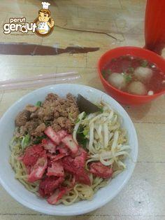 Bakmi Medan 168 Aek / Eddy http://www.perutgendut.com/reviews/read/bakmie-medan-168/369 #Review #Mie