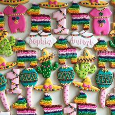 First Birthday Fiesta Set Third Birthday Girl, First Birthday Cookies, 30th Birthday, Birthday Ideas, Llama Birthday, Birthday Stuff, Fiesta Cake, Fiesta Theme Party, Sombrero Cookies