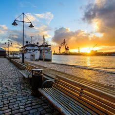 Packhuskajen Gothenburg Sweden. 25 September 2015. #mikaelsvenssonphotography #goteborgcom #göteborg #gothenburg #packhuskajen #västkusten #visitsweden #visitgoteborg #visitgothenburg #swedenmoments #bestofscandinavia #sunset