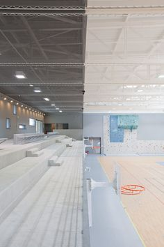 Turnen auf der d ne sporthalle in seeheim turnen for Innenarchitektur studium linz