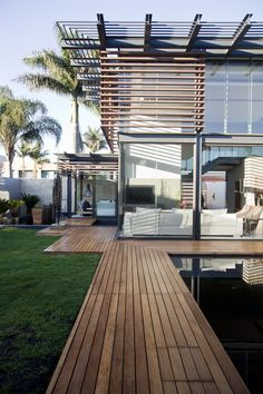 House Abo at Nico Van Der Meulen Architects - view our Architecture and design portfolio here Residential Architecture, Amazing Architecture, Contemporary Architecture, Interior Architecture, Renovation Facade, Bungalows, Modern House Design, Exterior Design, Future House