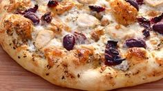- Bake up the best pizza crust, chewy, bubbly and delicious! Made with commercial yeast and sourdough. Great Pizza, Perfect Pizza, Vegan Recipes Videos, Pizza Recipes, Easy Healthy Breakfast, Healthy Pizza, Diet Food List, Morning Food, Makati