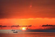 Sunrise @ Hua Hin  Photo by Jensen Chua — National Geographic Your Shot