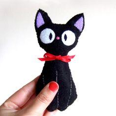 Jiji (from kiki& delivery service by studio ghibli) Black cat plushie Anime Crafts, Cat Crafts, Halloween Crafts, Sewing Crafts, Diy And Crafts, Sewing Projects, Kiki Delivery, Kiki's Delivery Service, Studio Ghibli