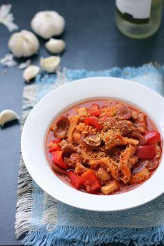思わずワインも進んじゃう♪スペインのモツ煮「カジョス」の作り方 - macaroni