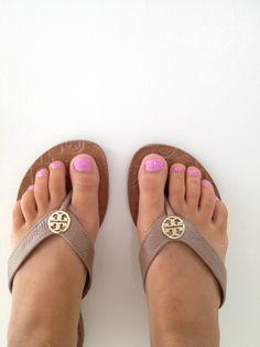 7b39f0e9086827 Tory Burch flip flops- love these! Marisol Goodman · Shoes .