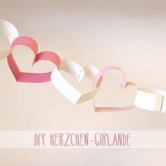 Süße Herzchen Girlande zum selber machen für Valentinstag. Noch mehr Ideen gibt es auf www.Spaaz.de
