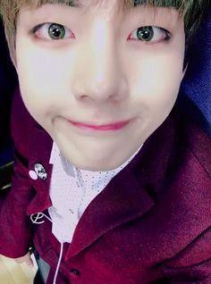 😊와줘서고마워요!! #taehyung #bts V Bts Cute, Jungkook Cute, V Cute, Cute Gif, Bts Bangtan Boy, Bts Jimin, Taehyung Selca, Taekook, Bts Stage