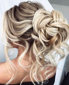 37 Exquisite Wedding & Prom Hairstyles for You to Try #wedding #hairstyles #prom #beautiful