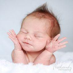 Baby jazz hands! Bling bling!