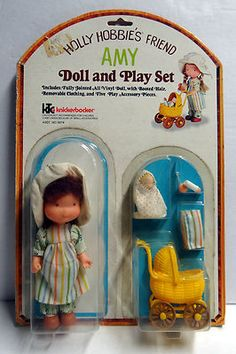 Holly Hobbie play set **I have the exact same set but my doll has blonde hair. 1970s Childhood, My Childhood Memories, Sweet Memories, Dolls Prams, Holly Hobbie, Vinyl Dolls, Cute Little Girls, Felt Dolls, Old Toys