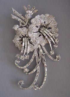 MB Boucher clear rhinestones flower pin
