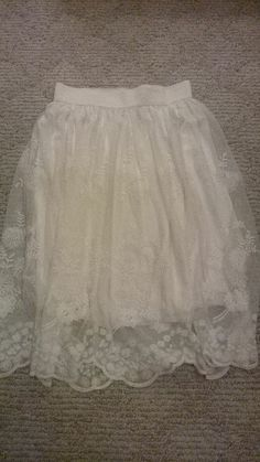 Forever 21 Peasant Creme Skirt - Size Small