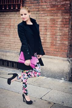 Flowered jeans + Pink clutch - Veronica