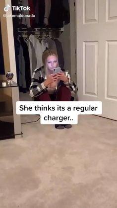Funny Videos Clean, Crazy Funny Videos, Funny Video Memes, Crazy Funny Memes, Really Funny Memes, Funny Relatable Memes, Funny Mems, Funny Vidos, Funny Laugh