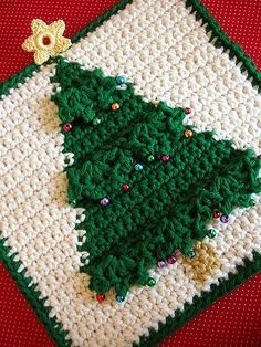 Holiday Crochet Patterns, Crochet Potholder Patterns, Crochet Square Patterns, Crochet Dishcloths, Christmas Patterns, Knit Patterns, Crochet Christmas Decorations, Christmas Crafts, Christmas Tree