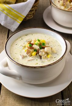 New England Fish Chowder This classic creamy, New England style fish chowder uses simple ingredients and tastes like restaurant quality. Chowder Recipes, Soup Recipes, Cooking Recipes, Cooking Fish, Chili Recipes, Cooking Beets, Yummy Recipes, Recipies, Fish Recipes