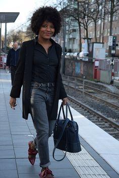 funambule triptikh en deplacement professionnelhttp://deadlines-dresses.com/deplacement-professionnel-voyager-leger/ #workinggirl #workingwoman #collantresille #501skinny #levis501s