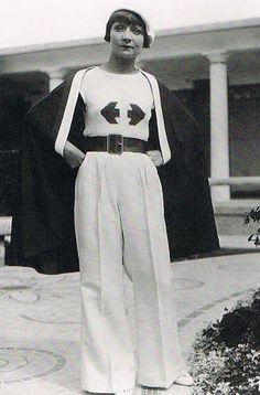 hermès - 1930 vintage fashion style color photo print ad model magazine 30s pants wide leg trouser sweater knit arrows white