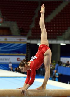 Aliya Mustafina - the queen Gymnastics Photography, Gymnastics Pictures, Sport Gymnastics, Artistic Gymnastics, Olympic Gymnastics, Gymnastics Leotards, Sporty Girls, Gym Girls, Gymnastics Flexibility