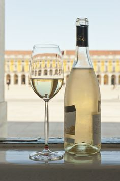 Having a glass of white wine in Terreiro do Paço square, with the Tagus river just on the left, #Lisbon, #Portugal - Visit Lisboa - Fotos